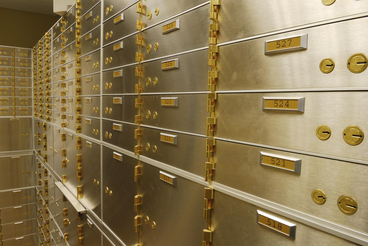Diamonds gems safe deposit box insurance company for Banque des jardin